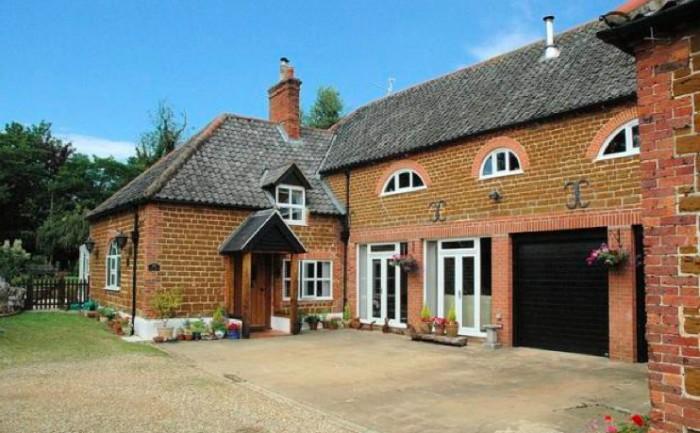 Pretty-farmhouse-e1328395293661