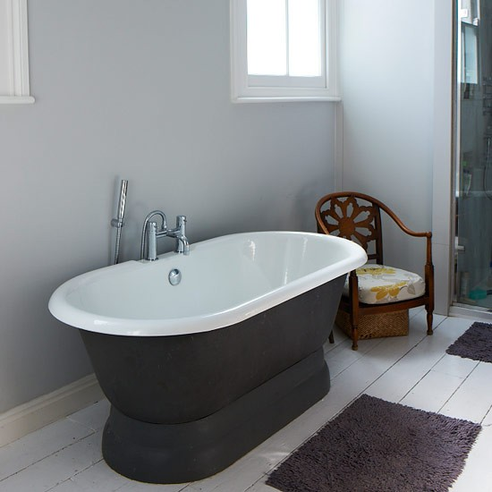 Bathroom--Victorian-House-