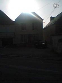 this house looks sooooo spooky